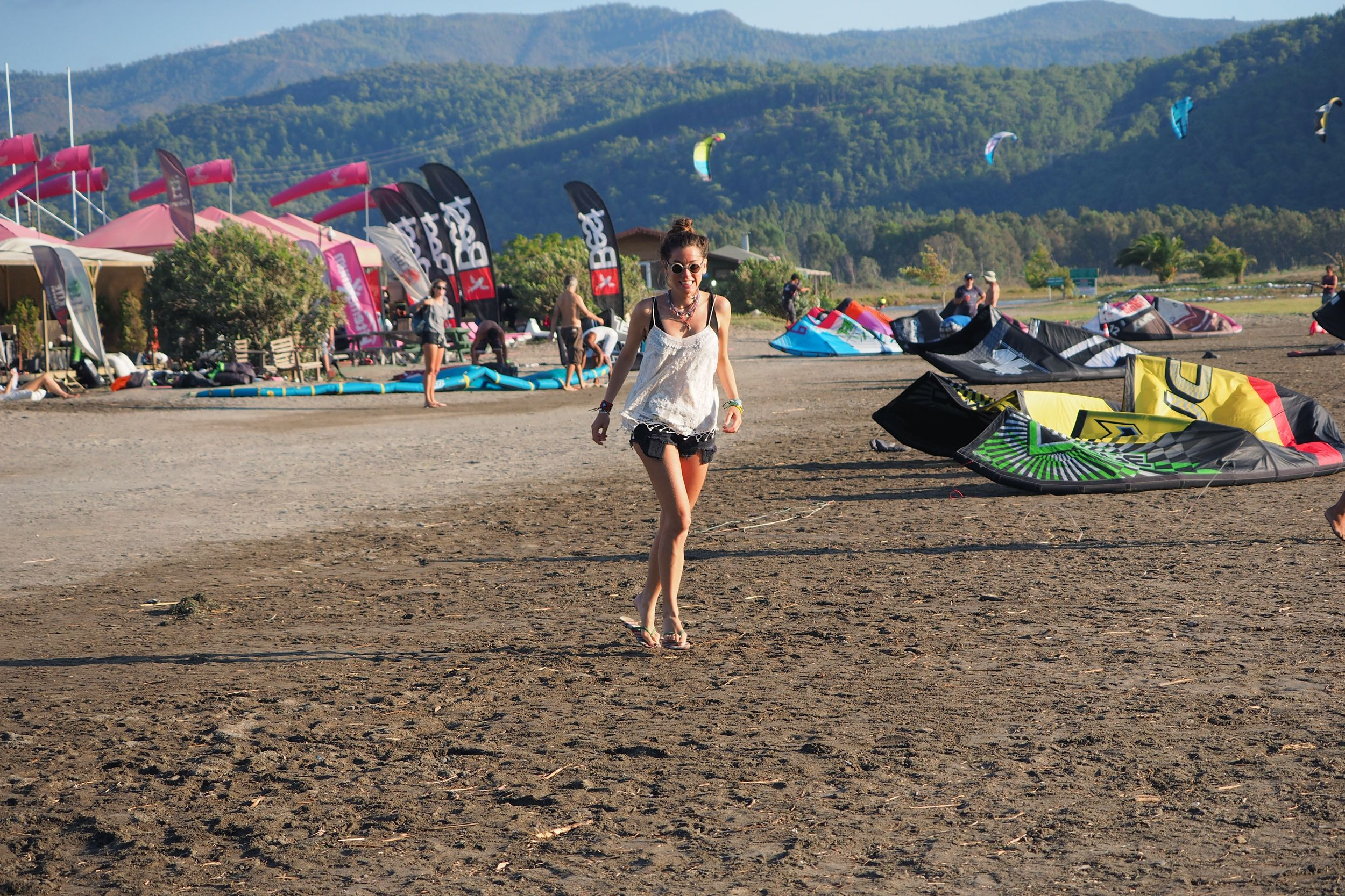 kiteboarding, kitesurfing, kiteboard, topshop, pole women,hally and son, ksubi, billur saatci, street style,