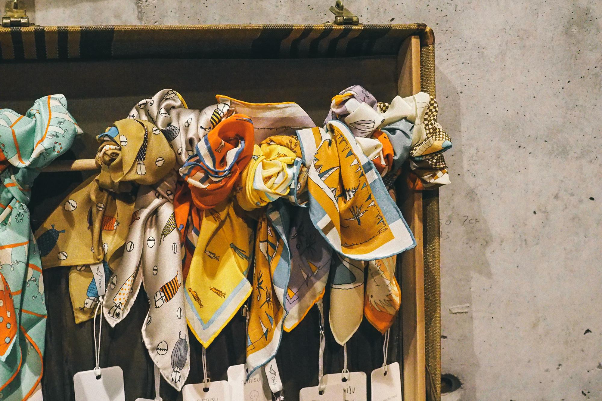 billur saatci, offnegiysem, turkish style blogger, street style, fashion, ootd, blogger, istanbul, maid in love, mudo, paper atelier, petra, muse istanbul, holiday market, yeni yıl, yılbaşı alışverişi, maske yapımı, youtube,