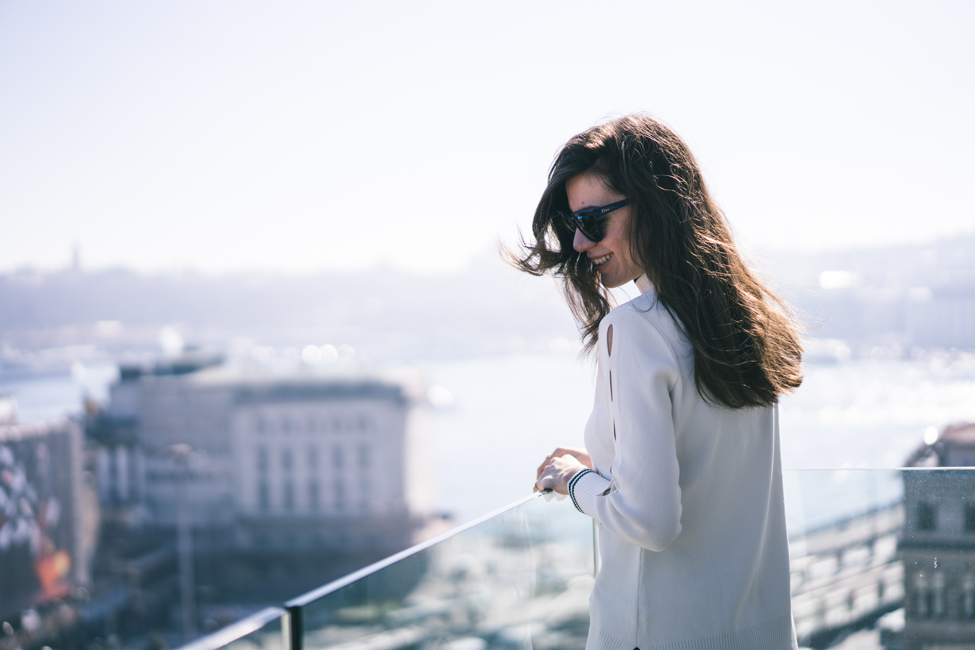 billur saatci, turkish style blogger, offnegiysem, uterque, cashmere in love, lug von siga, vault karakoy, the house hotel, dior, nike