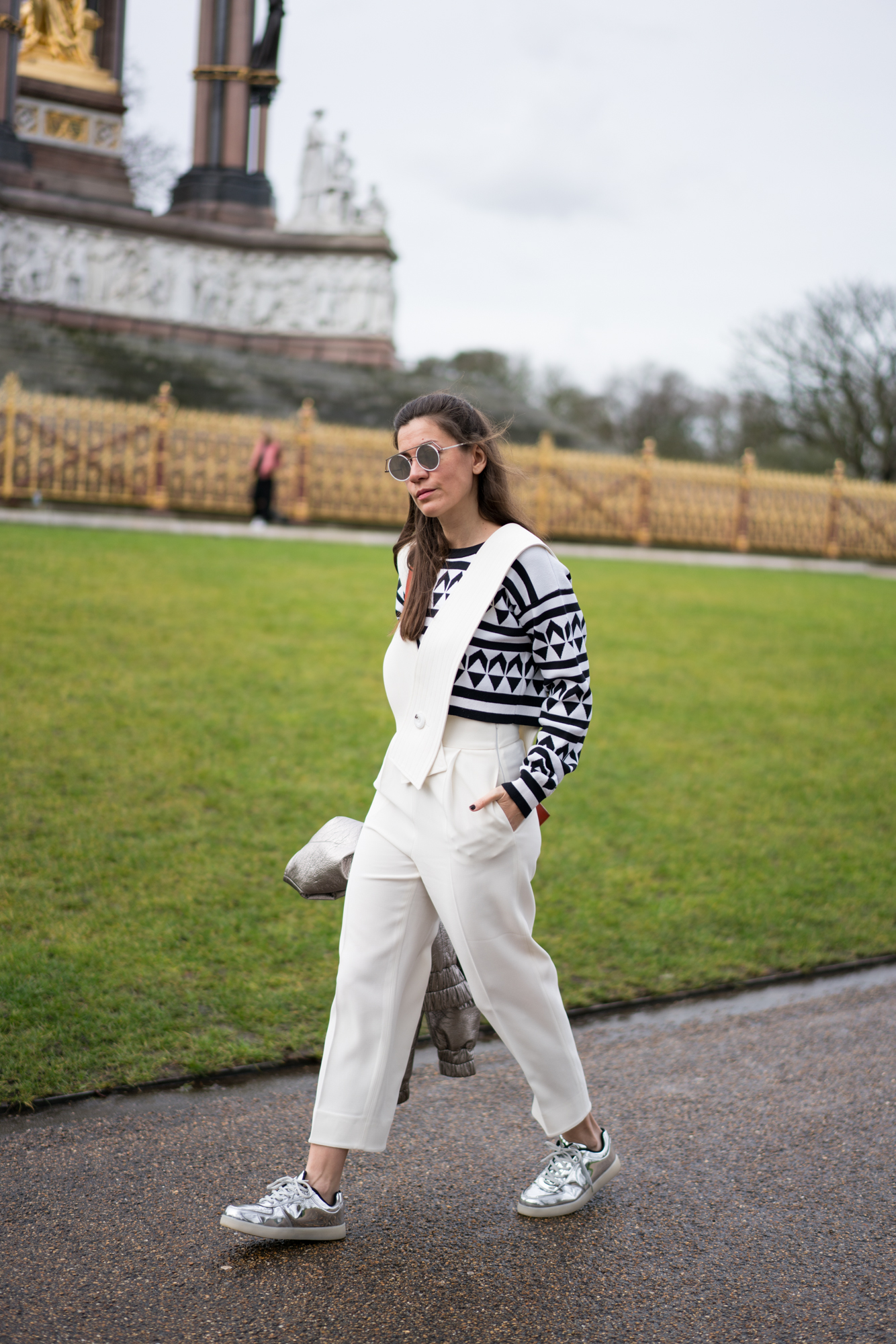 lfw, street style, london fashion week, sunglass hut, style, fashion, turkish style blogger, billur saatci, off ne giysem, mybestfriends, jumpsuit, bomber jacket, dun, house of holland, wise and ope, turkish style blogger, burberry, after burberry show, before burberry show