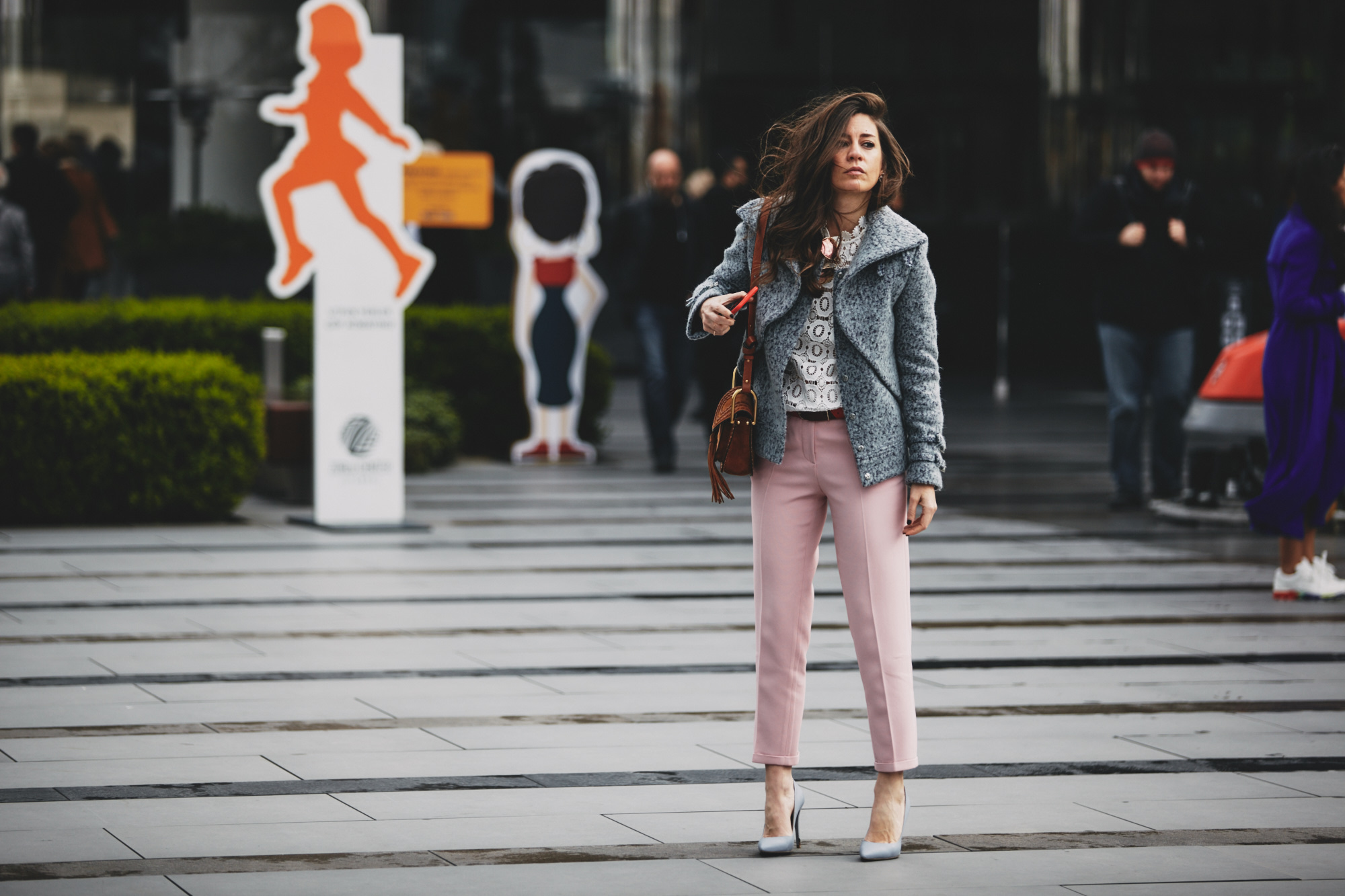 billur saatci, street style, mbfwi, off ne giysem, turkish style blogger, mercedes benz fashion week istanbul, fee dan, mybestfriends, fendi, rayban, selfportrait, chloe